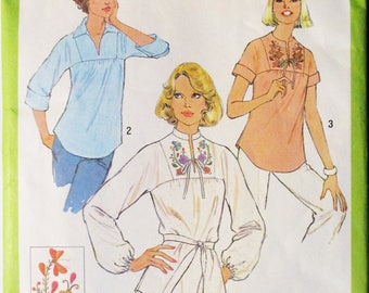 1970s Vintage Sewing Pattern Simplicity 8262 Misses Pullover Blouse Pattern Size 10 Bust 32 1/2