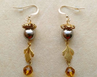 Unique Golden Beige Acorn Earrings, 10 mm Acorn, Golden Acorn Cap, Oak Leaf Golden charms - Pretty Acorn Earrings by enchantedbeads on Etsy