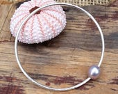 Pink Pearl Silver Bangle / Edison Pearl Bangle / Minimalist Bracelet / Nature Lovers Gift / Hawaii Pearl Bangle / Gift for Girlfriend