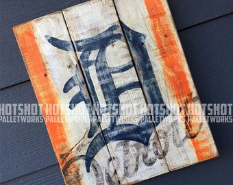 Old English D, Detroit, Tigers, Vintage-looking Pallet wood hand made, hand painted sign (x59)