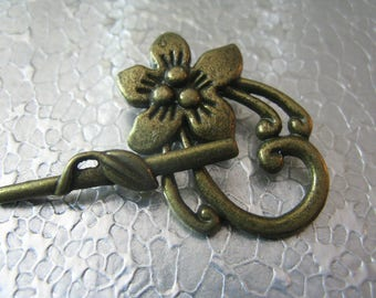 Flower  Leaf Toggle Clasps Set of 3 Brass Plated