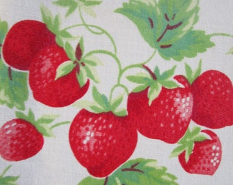 "50s Red Juicy Strawberry Linen Tablecloth  50"" x 65"" Rectangle White"