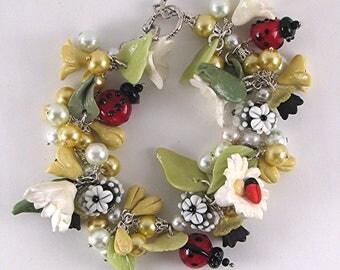 Ladybug  Bracelet  Ladybug bead Bracelet  Ladybug Jewelry   Daisy Bracelet Flower Bracelet Gift for Her