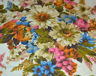 DAISY BOUQUET - vintage 1950s mid century large floral bouquet upholstery fabric