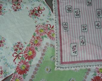 3 Vintage Hankies Pink & Green Floral Bows Daisies, 1950s Hankie Lot