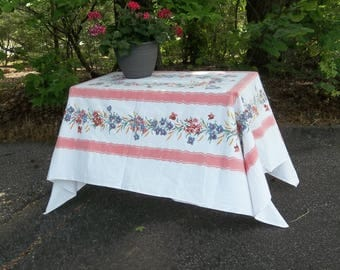 Vintage Tablecloth Mid Century Table Cloth 57 x 74 Farmhouse Kitchen Decor 1950 Kitchen Cottage Chic Picnic Table Cover