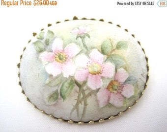 OnSale Vintage Hand Painted Brooch - Pink Roses