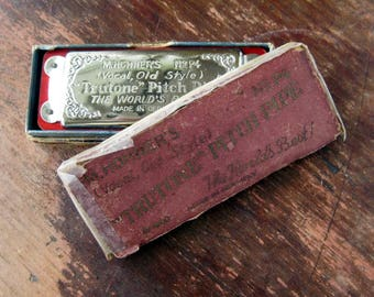 Vintage Truetone Pitch Pipe M.Hohners No P4 vocal old style in original box made in Germany