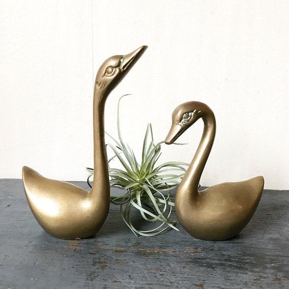 vintage brass swans - gold metal bird sculptures - Hollywood Regency - Set of 2