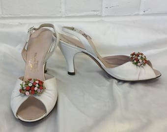 Vintage 1950s Off-White Peep-toe Slingback Heels with Floral Clusters (as-is), approx. size 10AA