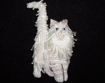 Beaded NORWEGIAN FOREST CAT art pin pendant animal jewelry (Made to Order)