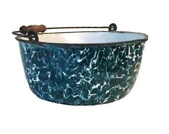 Teal graniteware stock pot - Rare color - 11 x 5 inches - Original handle - Farmhouse - Cabin style