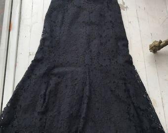 Vintage Lace Skirt / 1990s Skirt / Long Black Skirt / Midi Skirt / Mermaid Skirt / Fittef Black Skirt / Black Lace Skirt / Black Maxi Skirt