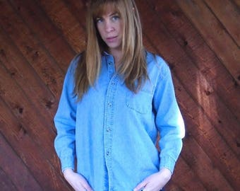 20% off SUMMER SALE. . . Light Denim Long Sleeve Button Down Fitted Shirt - Vintage 90s - XS