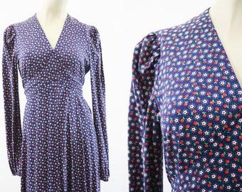 Bohemian Maxi Dress / Handmade / Apple / Floral Print / Hippie / White / Long Sleeve / V Neck / Tie Back / Woman's / Retro