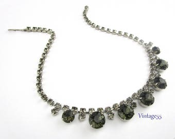 Rhinestone Necklace Green Silver tone