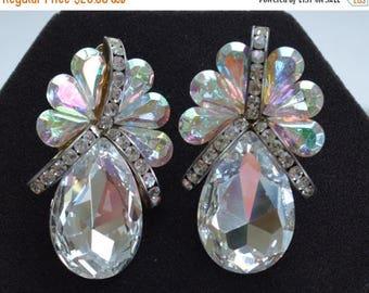 On sale Beautiful Vintage Aurora Borealis Glass Stone, Rhinestone Clip Earrings (AM17)