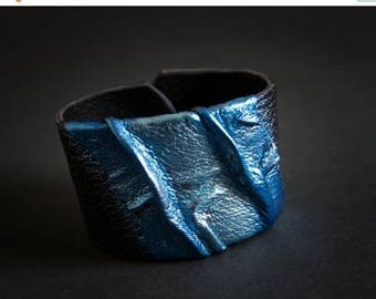 40% OFF SALE Casual blue metallic leather wide bracelet cuff Statement jewelry