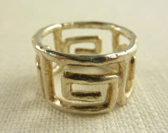 Size 8 Vintage Sterling Italian Swirl Band Ring