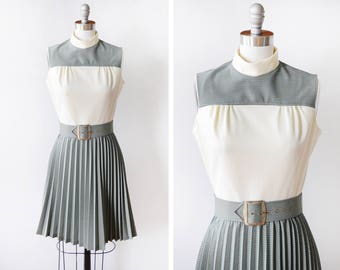 mod mini dress, vintage 60s dress, accordion pleated mod scooter dress, teal + cream retro 1960s dress, extra small xs