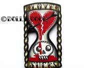 Hourglass Love Sucks Brooch by Dolly Cool Retro Vintage 50s Anti Valentine Style Wooden Tattoo inspired Novelty Pin