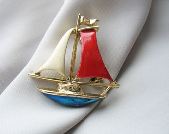 Sailboat brooch, Gerry's, Red White and Blue, Nautical, Enamel, Gold Tone, Figural, Vintage Accessory, Fashion Accent