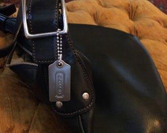 Vintage Coach Black Leather Crissbidy Messenger Purse