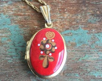 Vintage Enamel Metal red Floral Gold tone Locket 14K GF Chain