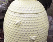 Cookie jar, bee hive, yellow, lemon yellow,ceramic, made in USA, handmade, bee skep, honey bee cookie jar