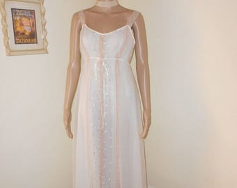 Lovely Vintage Full Length Nylon Nightgown/White w/Beige Negligee - Size 34