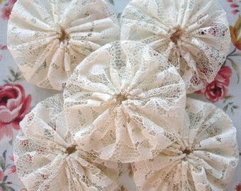 15 Handmade Cream Lace Yo Yo Suffolk Puff Fabric Decorations Trim Embellishment