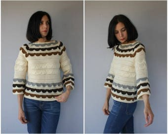 Vintage 1960s Sweater | 60s Sweater | 60s Jack Winter Sweater | 60s Wool Sweater | Bohemian Sweater | 1970s Sweater - (small/medium)