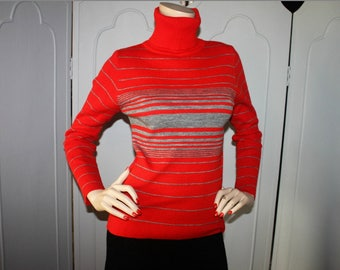 Vintage Red and Gray Stripe Turtle Neck Sweater. Small to Medium.