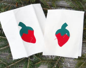 STRAWBERRY APPLIQUES, Pre-cut Fabric, Adhesive Backed, Strawberries, Kitchen Decor, Pot Holder, Hanging Towel, Patchwork, Quilt,Clothing,DlY