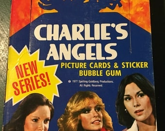 Charlies Angels Vintage 1977 Trading Cards  Stickers & Gum. Full Box ...36 Unopened Packs Feauturing Farrah Fawcett. Over 40 years old  !