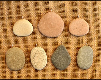 Natural mix of 7 beach stones pendants from Italy with silver plated ring. Jewelry supply for rock painters. (serie CB)
