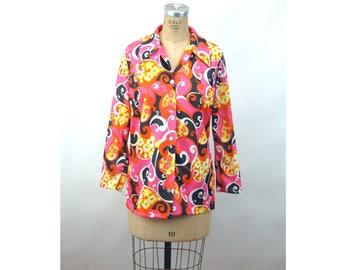 1970s shirt psychedelic blouse pink black yellow paisley polyester blouse Size M/L