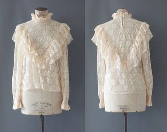Full lace ivory ruffle blouse | 1990's by cubevintage | medium