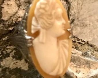 Elegant Art Deco Sterling Silver Filigree Carved Shell Cameo Vintage Antique Ring