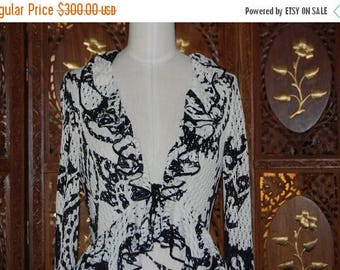ON SALE 1970s Unsigned Psychedelic & Slinky Black and White Ruffled Maxi Dress