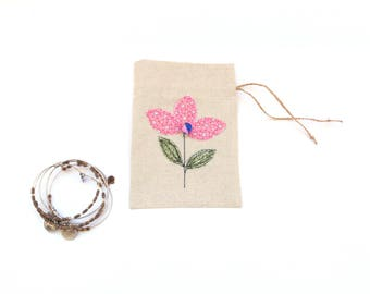 Gift bag, linen pouch, drawstring gift bag, bracelet bag, appliqued flowers, pink flower, gift for her, jewelry travel pouch