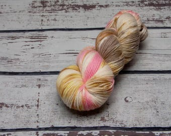 Cotton Candy Variegated yarn - Hand dyed DK yarn, merino, Light pink, yellow, sand grey, dk yarn, variegated