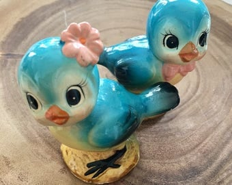 Kitschy Cute Pair of Birds or Chicks Salt and Pepper Shakers / Vintage S & P Shakers