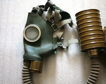 Vintage Russian Gas Mask - size 3 Soviet Military Gas Mask - New - Steampunk - 1970s - from Russia / Soviet Union / USSR