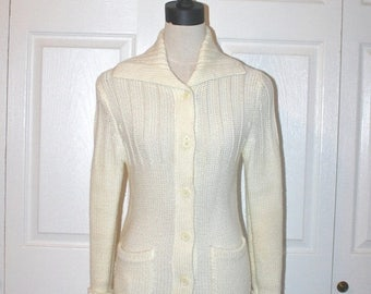 50% OFF SALE 1970s Long Ivory Knit Cardigan Sweater . Vintage 70s Sears Acrylic Sweater With Pockets . Size