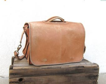 20% Off Sale Distressed Briefcase Expandable Tan Leather Messenger Bag