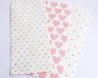 envelopes rectangle wrapped gift box-choice gift bag: heart or squared
