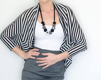 Comfy cardigan, cardigan with stripes, comfortable cardigan, black white pattern, cardigan with black and white stripes