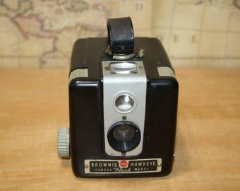 Vintage camera Kodak Brownie Hawkeye flash model - item #2735