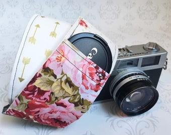 Vintage Style DSLR Camera Strap, Padded, Lens Cap Pocket, Nikon, Canon, DSLR Photography, Photographer Gift, Wedding - Floral & Gold Arrows